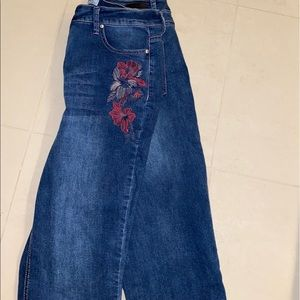 Harmony & Havoc cropped jeans with embroidery